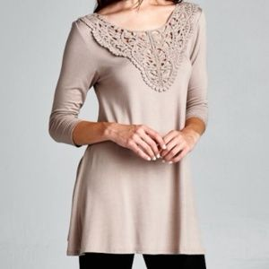 SALE | 3/4 Sleeve Tunic with Lace Trim
